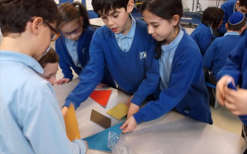 Sacks Morasha pupils from Years 5 and 6 enjoying the visit from The Happy Puzzle Company