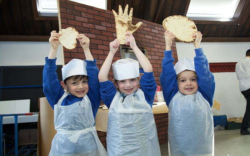Three Sacks Morasha pupils enjoying Matzah baking