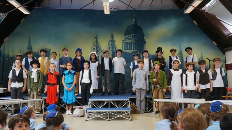 Y6 group shot from Oliver